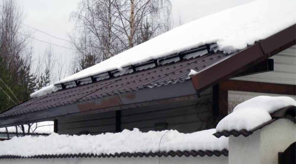 Снегозадержатели на крышу, фото